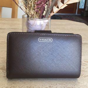 NEW🌹COACH Darcy Dark Brown Leather Bi-Fold Wallet